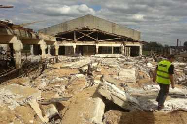 Amortiseerunud laudahoone lammutamine Kõpus, Viljandimaal