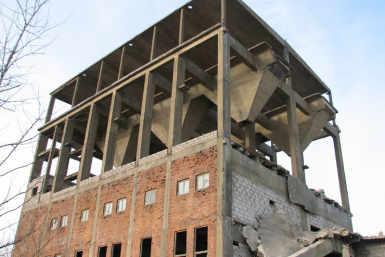 Betoonitootmise hoone Ahtmes, Silbeti tehase territooriumil