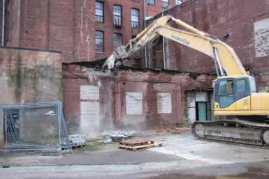 Kreenholmi Joala vabriku juurdeehituse lammutamine
